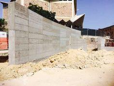 Il sindaco faccia abbattere il muro. | Cagliari Art Magazine