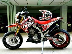 – All New 2016 Motard / Dual Sport Tag-Team Combo? – Could we see a as an all new motorcycle for 2016 / Well, the better question would be will we see a motard for 2016 / 2017 in the USA from Honda? Honda Supermoto, Honda Grom, Enduro, Honda Motorcycles, Custom Motorcycles, Custom Bikes, Motorcross Bike, Motocross, Cbr