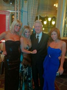 Scamming chicks with the Prez.