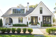What Style Is Your House? The 10 Most Popular House Styles Explained - 🏠 Great article explaining the features of various home styles … so now you can be in the know - Types Of Houses Styles, Different House Styles, Types Of Homes, Different Types Of Houses, Modern House Styles, Modern House Design, Tudor Style Homes, Craftsman Style Homes, Craftsman Cottage