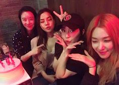 SNSD Tiffany's pictures with her Friends
