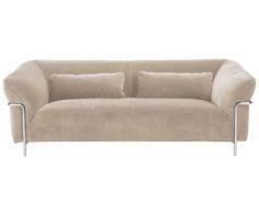 Machen Sie Ihr Wohnzimmer mit dem Sofa Doris aus Samt und in Beige zur Wohlfühloase. Entdecken Sie weitere Möbel auf >> WestwingNow.