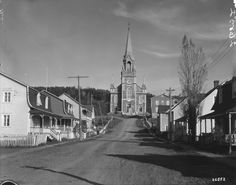 Église du Bic, Québec, 1926. (BAC, Mikan 3519409, Credit: Canadian National Railways/Library and Archives Canada, Copyright: Expired) St Lawrence, Copyright, Road Trip, Street View, Canada, Vacation, Road Trips
