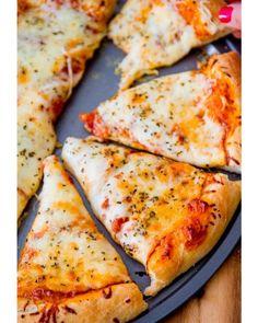 Domingo = pizza caserita Espectacular! Un clásico que nunca falla! Con amigos o en familia  Ustedes qué van a cenar?  #manjar #pizza #sundaymood #family #weekend #vibes #delicious #food #love #photooftheday #amazing #instalike #instadaily #instagood #bestoftheday #instafood #yum #eat  #dinner #homemade #girl #friends #couple #perfect #oyuelitostore #fashion #girls #domingo #comida #cocina