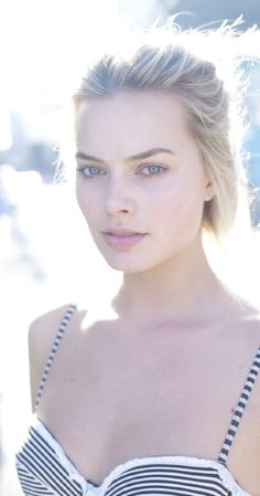 Margot Robbie is stunning