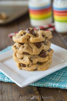 Peanut Butter Chocolate Chip Cookies are thick and chewy with the perfect peanut butter and chocolate combination. Only use 1 cup of mini chips! Köstliche Desserts, Delicious Desserts, Dessert Recipes, Baking Recipes, Cookie Recipes, Peanut Butter Recipes, How Sweet Eats, Yummy Cookies, Sweet Recipes