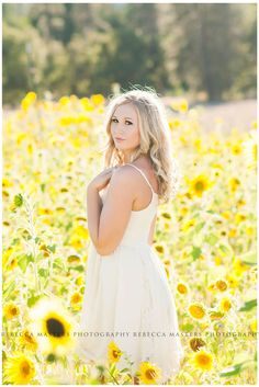 Photography Flowers Field Sun 18 Ideas For 2019 Senior Photography, Summer Photography, Portrait Photography, Food Photography, Creative Photography, Senior Girl Poses, Senior Girls, Senior Portraits, Senior Session