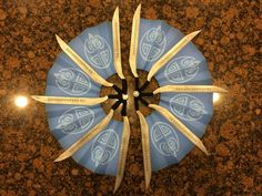 With this purchase, youll receive the main resources youll need to put together your very own Kitana Fan Blade set from Mortal Kombat 9!!!