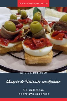 Canapés de Pimientos con Anchoas - Tax Tutorial and Ideas Canapes Gourmet, Appetizers, Blueberry Breakfast, Breakfast Cake, Diet Food List, Food Lists, Salade Healthy, Tapas Party, Chicken Salad Recipes