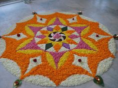 🏵Moolam is the seventh day of the festival of Onam which continues for ten days. With just two days left for the festival now, enthusiasm… Simple Rangoli Designs Images, Rangoli Designs Flower, Rangoli Patterns, Rangoli Ideas, Rangoli Designs Diwali, Diwali Rangoli, Rangoli Designs With Dots, Flower Rangoli, Beautiful Rangoli Designs