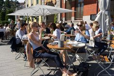Looking for a place to eat in Oslo that isn't closed in July or August? This is the only guide you need to find restaurants in Oslo that are open all summer