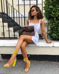5 Pieces To Help You Build Your Spring Wardrobe - Page 3 of 3 - Stylish Bunny Classy Outfits, Outfits For Teens, Summer Outfits, Bad Fashion, Fashion Outfits, Fashion Shoes, Fashion Fall, Fashion Clothes, Older Women Fashion