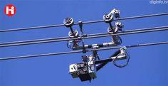 Expliner。東京都に本社を構えるハイボットによるロボット。高圧送電線を送電中のまま移動することに対応してスペーサなどの障害物も乗り越えられる。人に代わって送電線の点検作業を行えるとのこと。重量は90kg。
