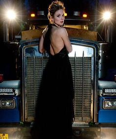 What does a truck driver have in common with Sarah Palin, oil rigs, and Dancing with the Stars? Meet Lisa Kelly of Ice Road Truckers and find out. Big Rig Trucks, Cool Trucks, Semi Trucks, Ice Road Truckers Lisa, Lisa Kelly Trucker, Ranger, Sexy Women, Custom Big Rigs, Kenworth Trucks