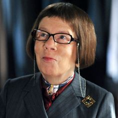 Linda Hunt stars as Hetty Lange on NCIS: Los Angeles. Ncis Los Angeles, Los Angeles Usa, Tv Actors, Actors & Actresses, Scandal Quotes, Glee Quotes, Scandal Abc, Arrow Tv Shows, Drinking Buddies