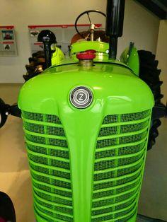 Zetor 25 K Antique Tractors, Vintage Tractors, Old Tractors, Vintage Farm, Work Horses, Heavy Equipment, Vehicles, Symbols Of Strength, Tractor