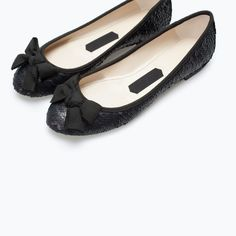Black Flats Shoes, Bow Shoes, Shoes Heels Boots, Me Too Shoes, Flat Shoes, Oxfords, Back To School Shoes, Shoe Display, Princess Shoes