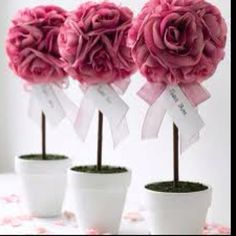 Topiary Wedding Table Centerpieces - The Wedding Specialists Candy Centerpieces Wedding, Topiary Centerpieces, Wedding Decorations, Inexpensive Centerpieces, Quince Decorations, Centerpiece Ideas, Table Decorations, Wedding Table, Diy Wedding