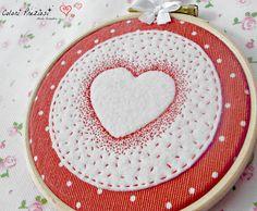 Heart for Valentine's day www.coloripreziosi.blogspot.com #feltroepannolenci #telaiodaricamo #sanvalentino #cucitocreativo #handmade #hearts