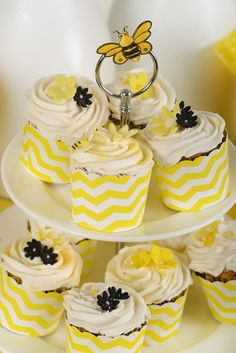 Living and Loving Mini Cupcakes, Baby Showers, Shower Ideas, Shots, Create, Desserts, Food, Meal, Baby Sprinkle