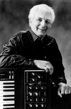 Art – A Tribute to Moog |