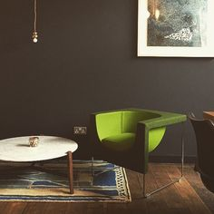 Enjoy some foody time inside @heals_furniture at @forgeandco | with some STUA highlights like lime Nube! Beautiful image by @laurenbardini #stua #design #london #heals #furniture #lime #jesusgasca #jongasca