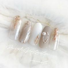 #ハンド #夏 #大理石ネイル #大人ネイル #夏ネイル #ニュアンスネイル #大人可愛い #天然石ネイル #シェルネイル #ミラーネイル #ラメネイル #ハンド #miunail #ネイルブック Acrylic Nails Nude, Pastel Nails, Nude Nails, Mani Pedi, Manicure, Japanese Nails, Summer Acrylic Nails, Minimalist Nails, Gorgeous Nails