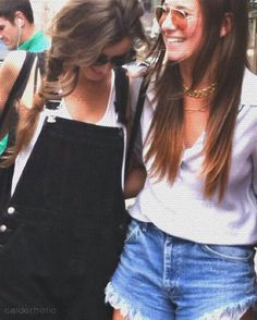 Smith Smith Calder aw, you are so adorable eleanor! haha, love you babe! Miss ya! Love You Babe, Eleanor Calder, The Girlfriends, Love And Respect, 5sos, Her Style, Love Her, Haha, T Shirts For Women