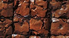 Molten Choc-Chunk Brownies recipe by Chef Donna Hay. Note: can add caramel fudge and salt for sated caramel brownies Chocolate Chunk Brownies, Molten Chocolate, Chocolate Desserts, Best Brownie Recipe, Brownie Recipes, Donna Hay Brownies, Dessert Bars, Dessert Recipes, Food Network Recipes