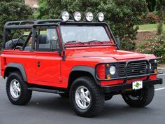 Range Rover Defender 90. Would love to have one of these.
