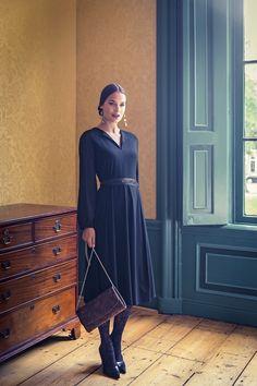 Zelf een damesjurk maken? Bestel het Knipmode naaipatroon, ontvang het patroon thuis per post en ga direct aan de slag!