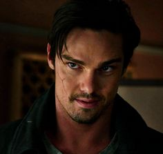 Jay Ryan/ Vincent Keller... Looking at Cat in her little black dress.. He liked it! A lot!