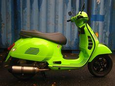 Vespa GTS - light green