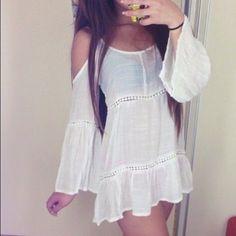 Dresses & Skirts - *SALE* NWOT Bell-sleeved Open Shoulder dress/tunic