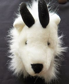 ef773f67f1f  5.50 free shipping USA - Ganz Mountain Goat (32818-231 Misc) collectibles