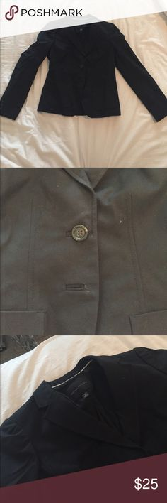 Banana Republic Suit Jacket - Size 6 This is the top half to the pant suit from Banana Republic. I would wear it with my suit pants or as a blazer on top of dresses. Banana Republic Jackets & Coats Blazers