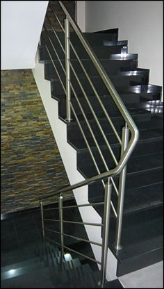 50 Ideas Exterior Stairs Architecture Stairways Railings For 2019 Steel Stair Railing, Interior Stair Railing, Balcony Railing Design, Steel Stairs, Staircase Railings, Staircase Design, Stairways, Grill Gate Design, Steel Gate Design