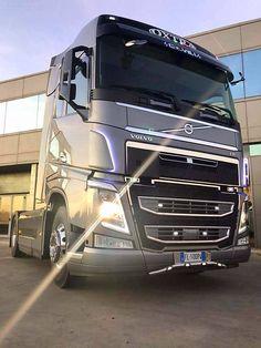 Semi Trucks, Big Trucks, Mercedes Benz Trucks, Volvo Trucks, Classic Trucks, Classic Cars, Mobile Marketing, Cab Over, Tractor