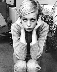 Twiggy 1960s mod vintage fashion. Twiggy model. Swinging sixties.