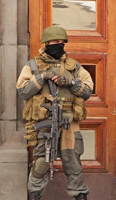 Russian Special Forces Operator during Crimea Invasion 2014. #sof #operator #russian #soldier #military #specops