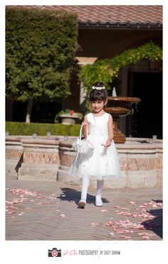 #white #pink #flowergirl #ceremony #wedding #Arizona #VillaSiena