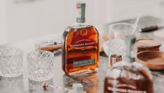 12 Essential Bourbons for Your Liquor Cabinet Wheated Bourbon, Bourbon Gifts, Bourbon Recipes, Bourbon Drinks, Wine Recipes, Woodford Reserve Bourbon, Rye Drinks, Beverages, Whiskey And Ginger Ale