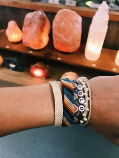 Fashion Anklets Bracelets - Add flare to your style, express your creativity Summer Bracelets, Cute Bracelets, Summer Jewelry, Beaded Bracelets, Braclets Diy, String Bracelets, Thread Bracelets, Embroidery Bracelets, Cute Jewelry