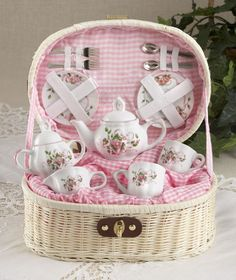 Pink grace tea set