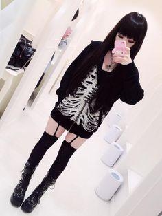 ideas for clothes hipster punk pastel goth Gyaru Fashion, Pastel Goth Fashion, Harajuku Fashion, Kawaii Fashion, Gothic Fashion, Fashion Outfits, Steampunk Fashion, Lolita Fashion, Emo Mode