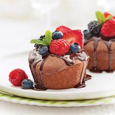 Petits gâteaux au chocolat - Les recettes de Caty Mini Desserts, Sweet Desserts, Sweet Recipes, Dessert Recipes, Buffet Dessert, Valentines Food, Mini Cheesecakes, No Cook Meals, Tapas