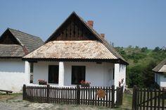 Hongarije 2006 Hollókö traditioneel Hongaars huis.