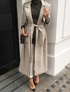 Find and save up to date fashion trends and the latest style inspiration, ootd photography and outfit looks Street Hijab Fashion, Fashion Mode, Muslim Fashion, All Fashion, Modest Fashion, Womens Fashion, Fashion Trends, Modest Outfits, Cool Outfits
