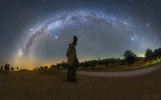 A night scene captured at the end of summer from Portugal's Dark Sky Alqueva reserve shows a galactic arc above a dead tree, featuring both parts of the summer and winter Milky Way. Summer Triangle, Night Sky Photos, The Pleiades, Exposure Time, Star Cluster, Our Solar System, Dark Skies, Imagines, End Of Summer