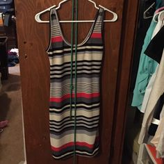 Spring/Summer dress size Small Cute fitted dress worn twice in great condition like New! Comes with tie belt to tie around the waist Dresses Midi
